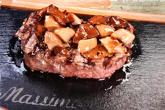Бонфиле от италианско телешко месо с черен трюфел от Норча и манатарки (цена за 100 гр.!)
