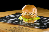 VEGGIE BURGER - (Chefs brioche, homemade burger with cauliflower, chickpeas, carrot and zucchini, iceberg, fennel, crispy fried onion and Miso Mayo sauce– 300 g)